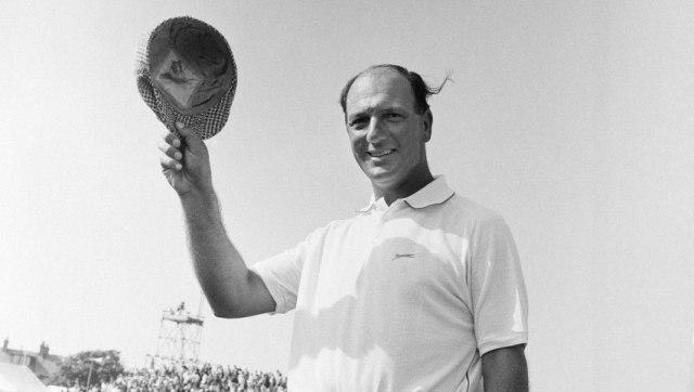 World Golf Hall of Fame legend Robert De Vicenzo dies at 94